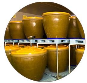 陶甕で発酵・熟成